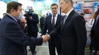 """Глава республики уважает НВП """"БашИнком"""""""