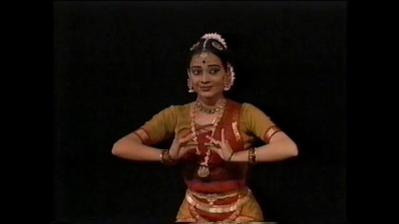 Malavika Sarukkai Bharatanatyam Thillana Performance in Japan  バラタナティアム ティッラーナー マラビカ・ 1246