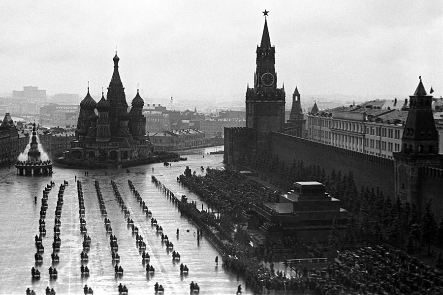 Парад Победы в честь 75-летия Великой Победы пройдет по образу 1945 года