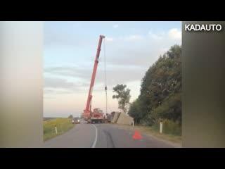 На дороге Черняховск - Липовка перевернулся грузовой автомобиль. 14.08.20