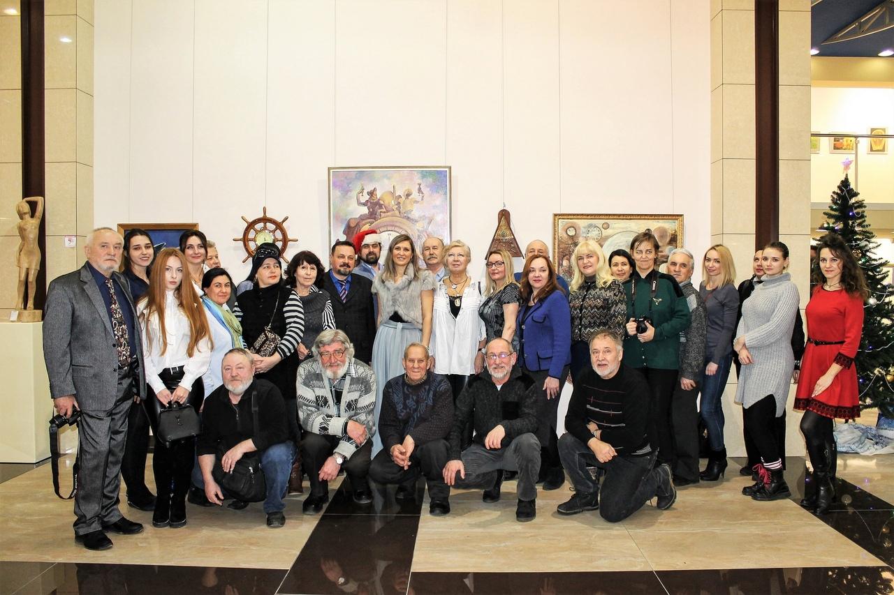 Выставкой «Времени безмолвная палитра» открыл новый год ХМ «Арт-Донбасс»