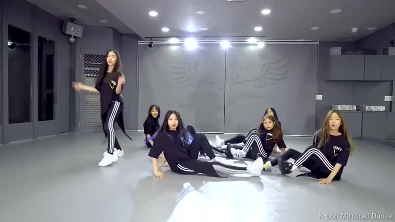 COCO (코코) - Talk Talk (톡톡) Dance Practice [Mirrored]