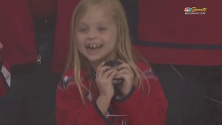 "форвард клуба НХЛ ""Вашингтон Кэпиталз"" порадовал юную болельщицу"