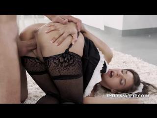Секс с горничной henessy в чулках, трахает в попу разработал дырочки анал