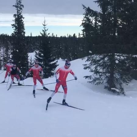 """Langrennslandslaget on Instagram: """"Hvem er mannen bakerst i rekken fra dagens treningsøkt på Sjusjøen? 🤔"""""""