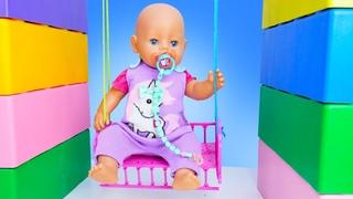 Кукла БЕБИ БОН катается на Качелях! - Смешное видео онлайн. Весёлые игры как мама с Baby Born