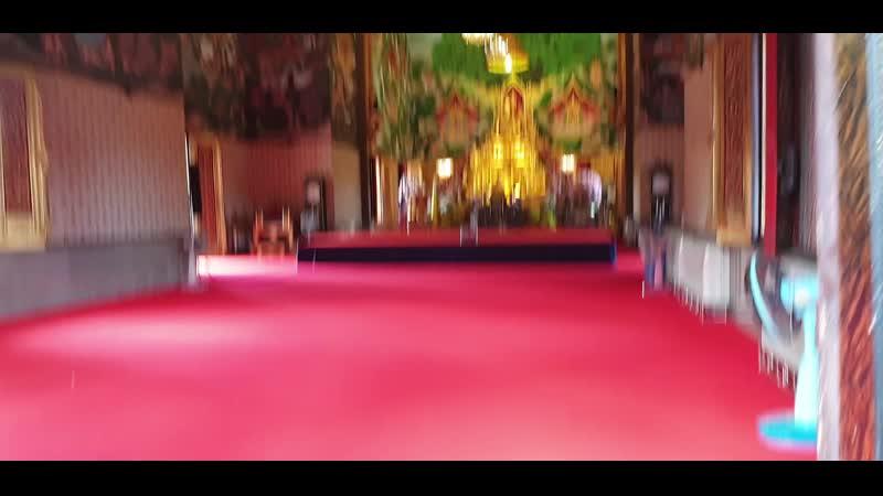 буддистский храм в бангкокке у дон муанга 20191127_155405