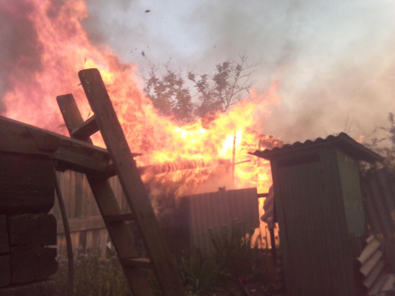 Террористы «ДНР» подожгли населенный пункт под Горловкой