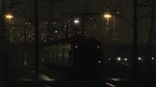 Электропоезд ЭТ2Л-027 с небольшим фейерверком