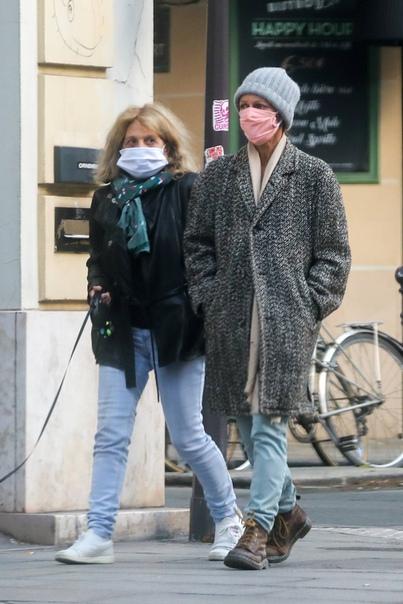 Ванесса Паради с мамой Шэннин СоссамонАйрленд Болдуин