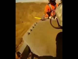 Монтаж секции вышки с помощью вертолёта vjynf; ctrwbb dsirb c gjvjom. dthnjk`nf