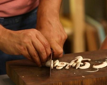 Тушеная капуста с грибами и соевым соусом, изображение №3