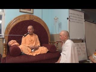Инициация. Манаса Чандра дас и Кешева прия деви даси.