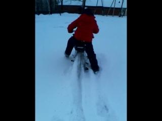 Катаемся зимой на мотоцикле (РЕЙСЕР АЛЬФА)По снегу Приколы