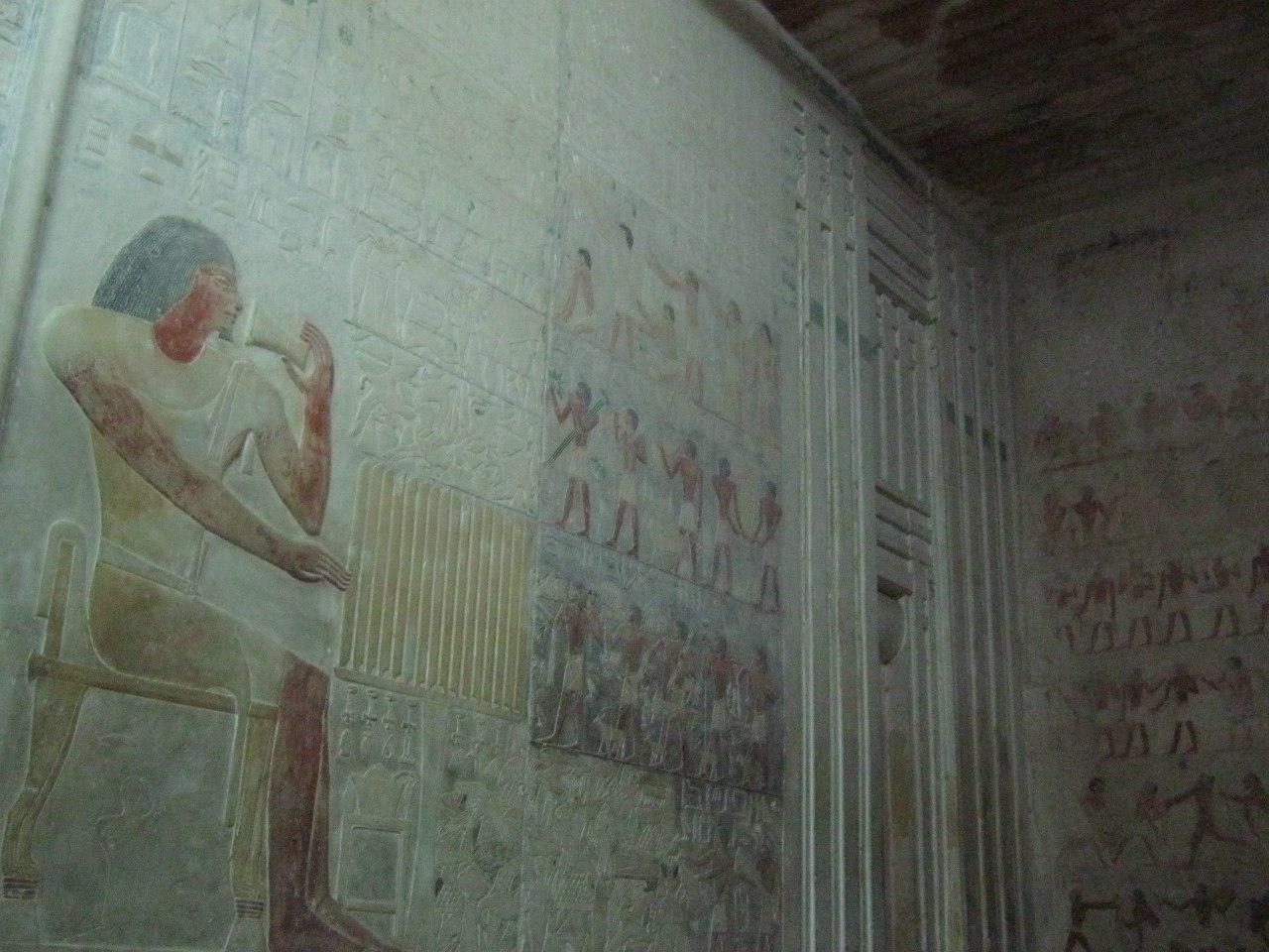древние рисунки в гробницах в комплексе пирамид Саккара