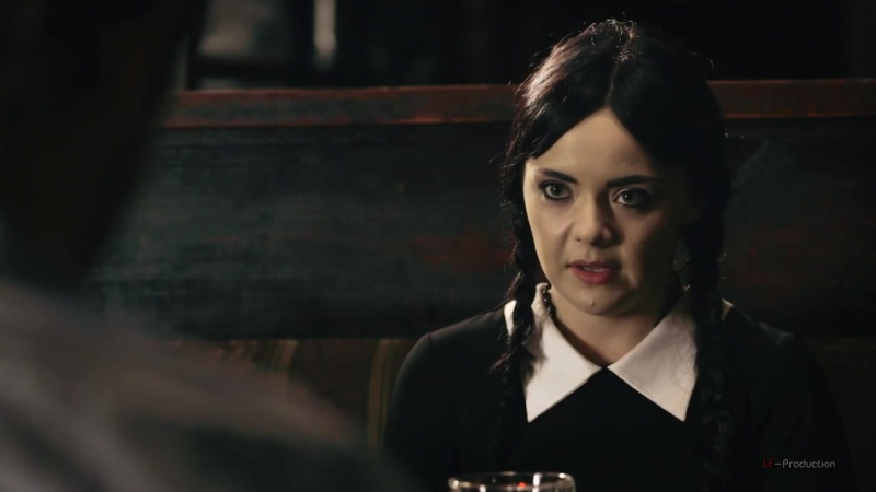 Взрослая Уэнсдей Аддамс - Первое свидание _ Adult Wednesday Addams (S1 E3) - Int