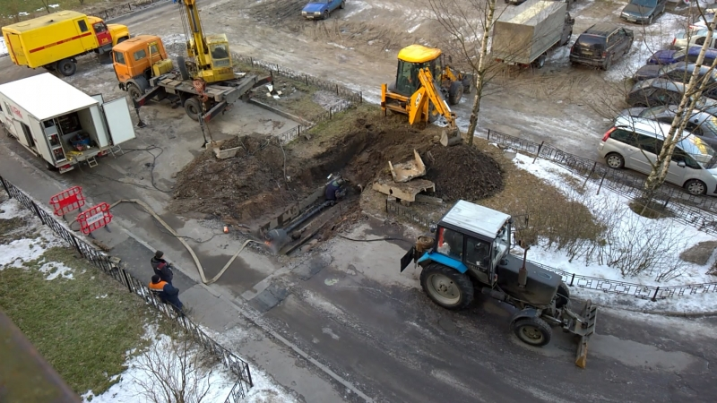 На Тверской, 45 опять авария! В выходной нет горячей воды!