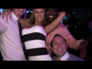 Шикарная блондинка порно актриса Nicole Aniston (Николь Энистон) пошло отжигает с друзьями в Penthouse клубе!