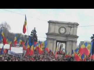 Молдавия: оппозиция заверяет в мирном протесте, полиции приказано реагировать жестко