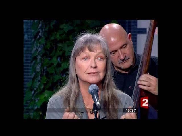 Марина Влади поет песню В. Высоцкого - То ли - в избу и запеть...