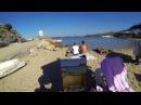 Пленэр на пляже в Греции и парочка на заднем фоне
