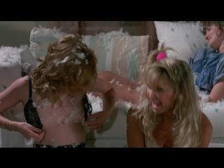 Juliette Cummins Nude, Heidi Kozak (nn) Kimberly McArthur (nn) Crystal Bernard (nn) - Slumber Party Massacre II (US 1987) 1080p