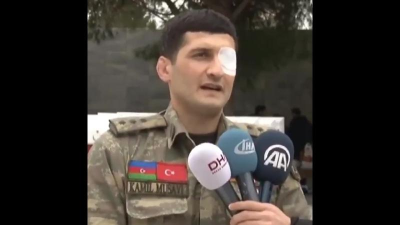 Azerbaycanlı Gazi Musavi'den Şehitler Abidesi'nde Afrin'deki Mehmetçiğe destek