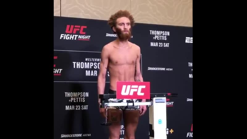 Violent Bob Ross Luis Pena misses weight for his featherweight debut coming in heavy at 148 5 pounds UFCNashville