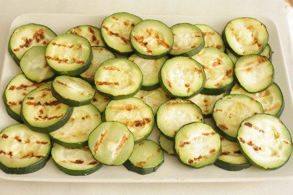 Запеченные кабачки с сыром и миндалем, изображение №4