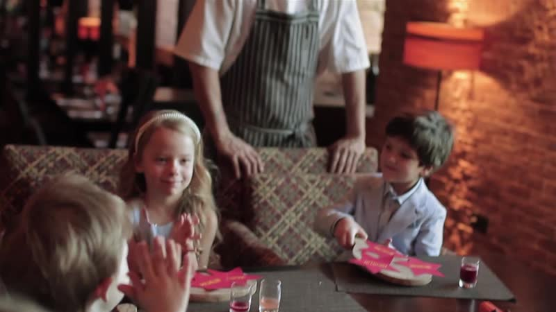 The children try the new menu by Sauli Kemppainen