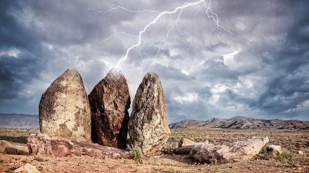 Пойдешь не вернешься! Загадочные и мистические места Казахстана Загадочные и мистические места Казахстана Загадочные места, будоражащие сознание необъяснимостью; легенды о чудесах природы и