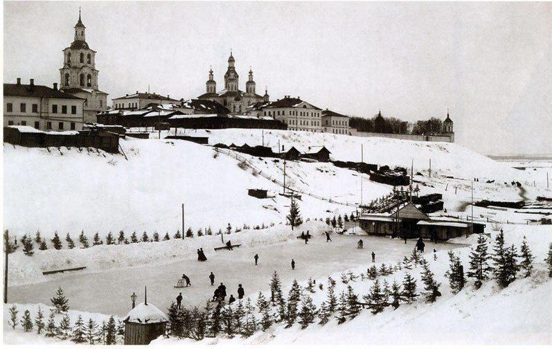 Ледовый каток на дне оврага Засора (в наши дни на этом месте — стадион «Трудовые резервы»). Начало XX в.
