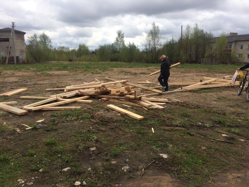 Пеновцы просят губернатора восстановить горку, разрушенную при главе
