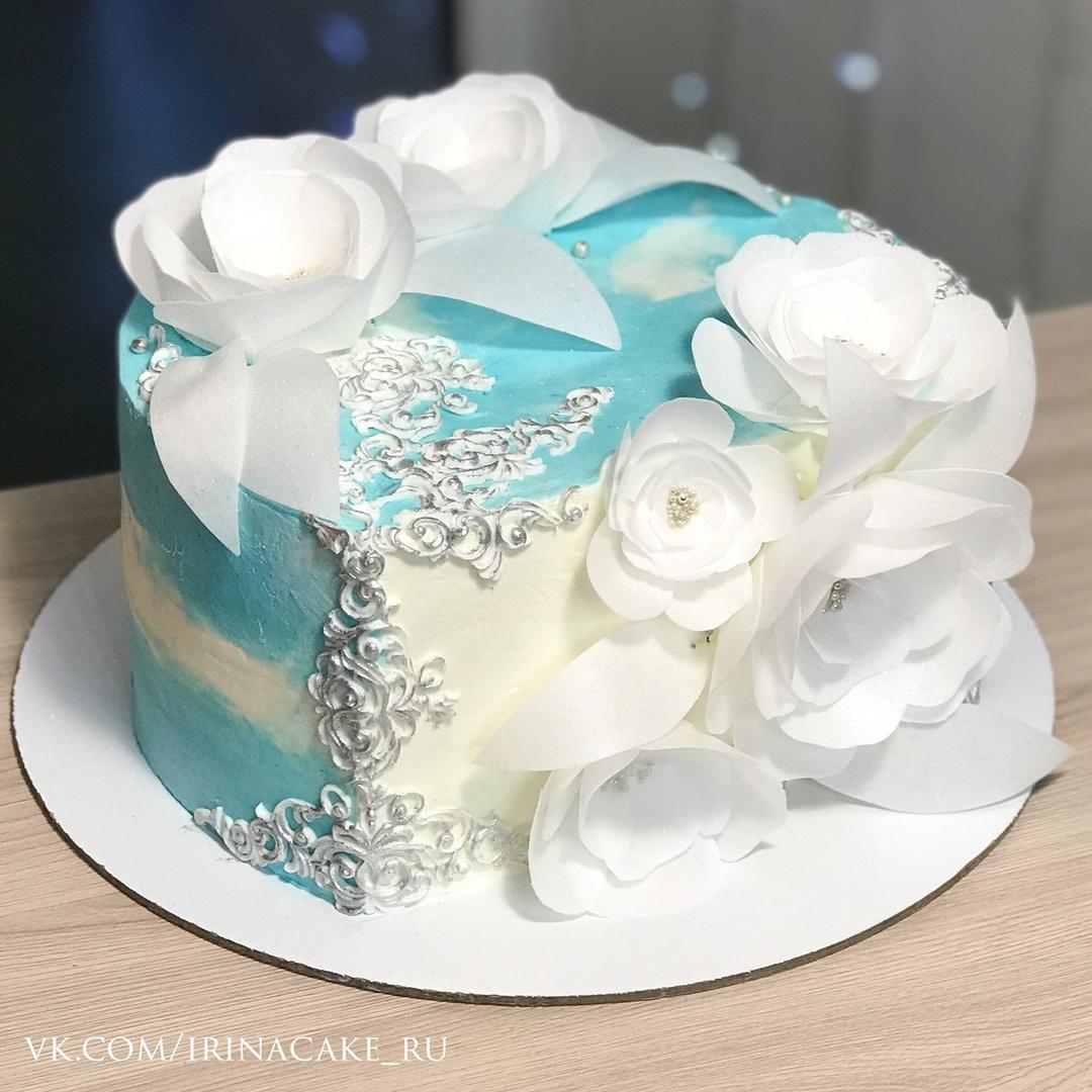 Свадебный торт с вафельными цветами (Арт. 520)