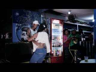 "🌴 bachata dominicana en cabarete felix cumbe ""la niña violada"""