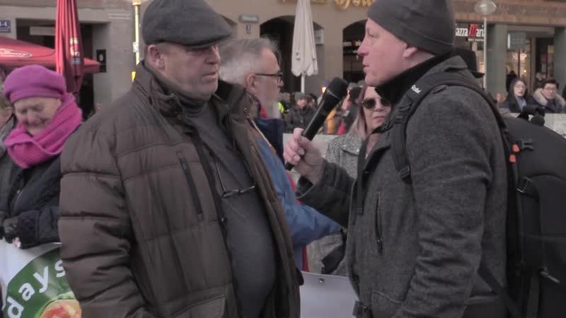 Stefan Bauer Organisatoren der Mahnwache Fridays gegen Altersarmut