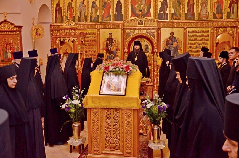 Всенощное бдение в соборе Всех святых Горненского монастыря в Иерусалиме, 2014 год.