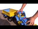 Собираем урожай в синий трактор. Видео для детей. yura ra