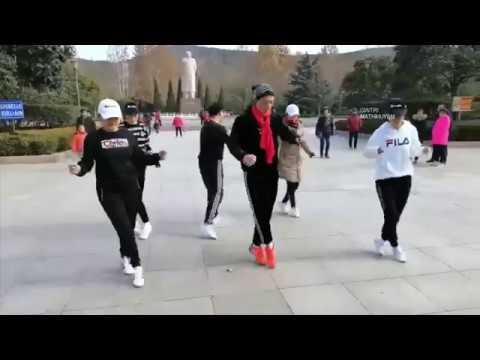 Vũ đạo Cát Lâm bước nhảy điêu luyện giáo viên dạy nhảy phiên bản DJ