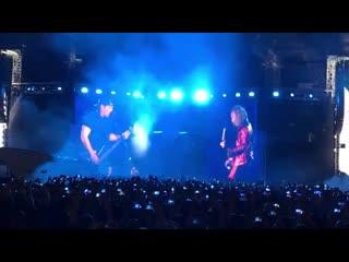Metallica поет «группу крови» в москве