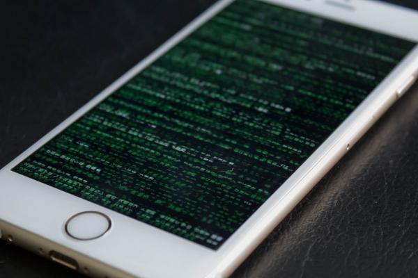 Уязвимость в iOS поможет взломать все новые модели iPhone, изображение №1