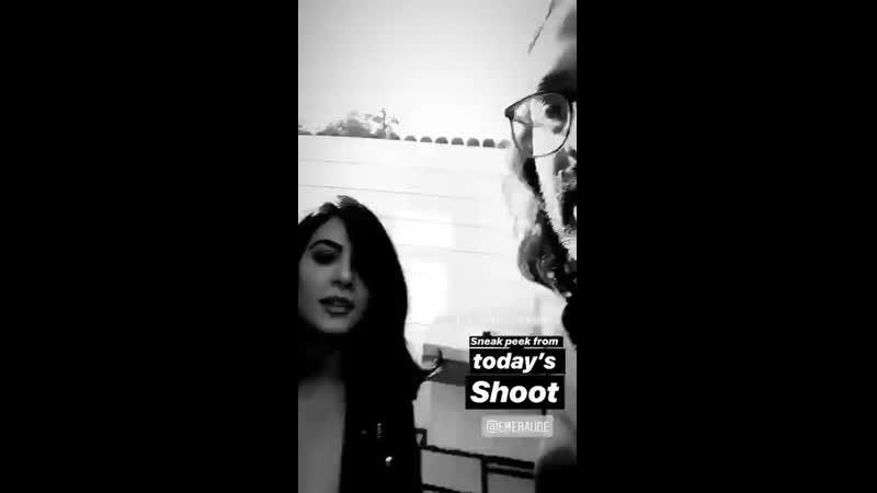 Emeraude on a photoshoot with Andrés Hernández today. - via andreshernandez IG stories.mp4