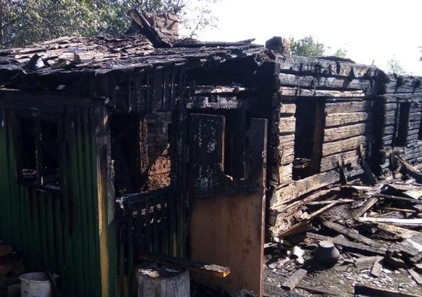 В Мозырском районе женщина убила приятельницу, подожгла дом и заявила сама на себя 11 сентября, примерно в 1.30 ночи, в милицию позвонила женщина и рассказала, что убила человека. При этом