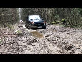 Lada 4x4 vs. нового suzuki jimny