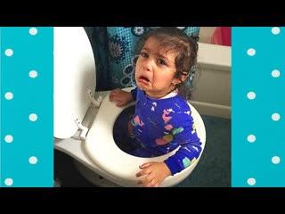 Смешные дети создают проблемы и терпят неудачу