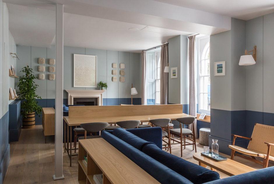 Современный отель в исторических особняках в Лондоне