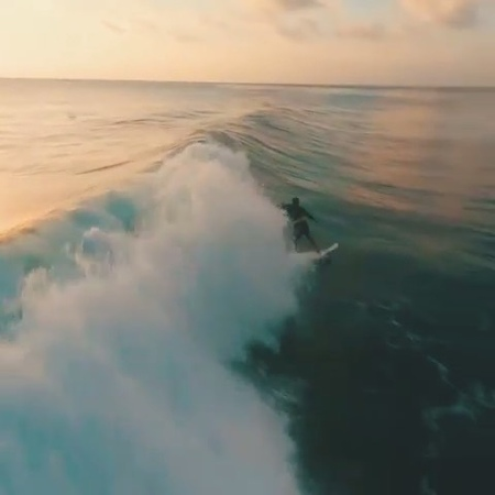 """BEAUTIFUL DESTINATIONS on Instagram """"Surfs up in Bali 🏄🤙 Catching waves captured by @andriu_fpv with FPV drone. (🎥 @andriu_fpv 📍 Uluwatu, Bali,..."""