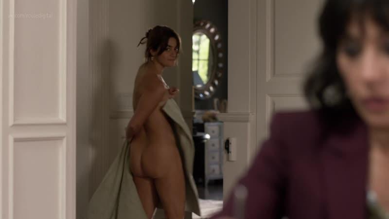 Allison dine naked