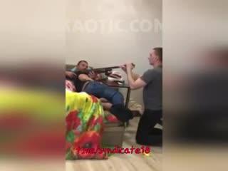 Вписка. пьяные игры с ружьём, выстрелил товарищу в лицо, жёстко, бухаем, несчастный случай