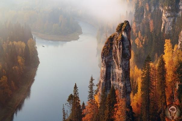 Чертов палец Пермский край, река Усьва. На фотографии главный останец Уьсьвинских столбов - Чертов палец, высота 70